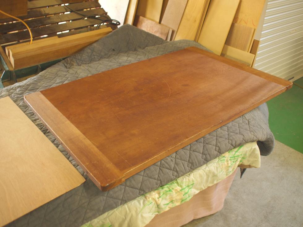 裁ち板をテーブルにリメイク