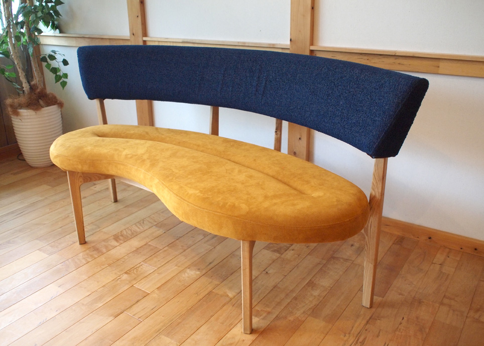 Bio sofa 座:Sランク US-5207(オレンジブラウン) 背:Aランク Z-NV(ネイビー)